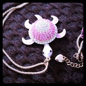 NWT BETSEY JOHNSON PINK CRYSTAL TURTLE  NECKLACE